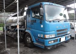 温泉配送用の4トンタンクローリー